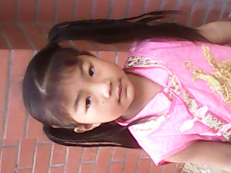 【宝贝夏日头型秀】 女儿的头发 霞之秀影