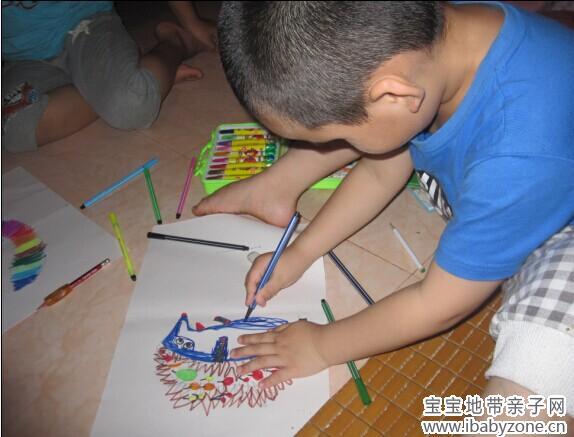 泉和哥哥画画比赛
