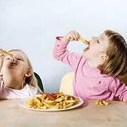 影响宝宝健康的不良习惯