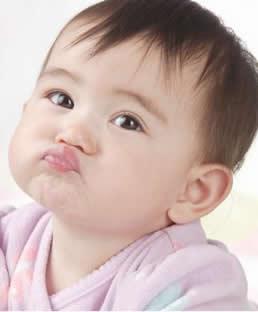 宝宝吐奶原因