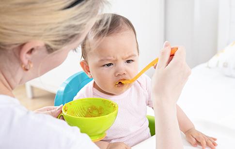 寶寶吐奶的預防和治療方法