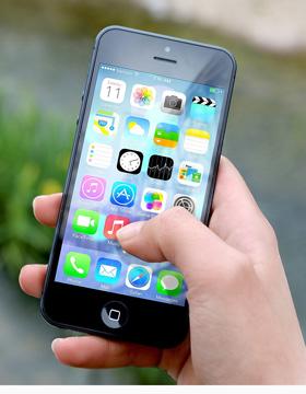 """怎样引导孩子拥有正确的""""手机观"""""""