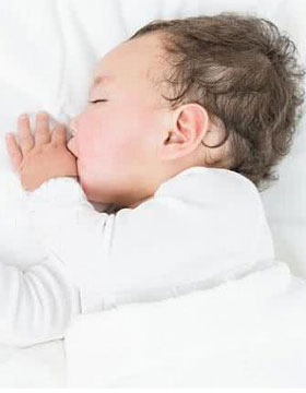 宝宝睡姿与性格有关